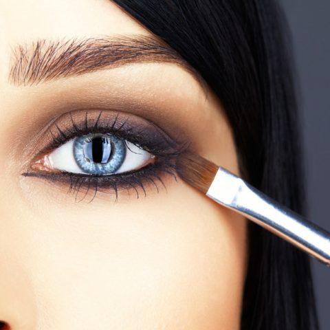 Maquillaje para párpados caídos – ¿Cómo realizar el maquillaje correctamente?